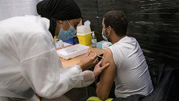 Koronawirus we Francji - szczepienia