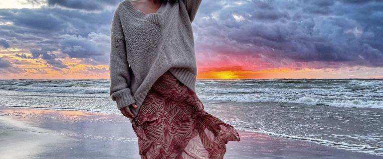 Nadmorska stylizacja Kasi Cichopek: ta spódnica jest idealna na lato! Zwiewna i lekka
