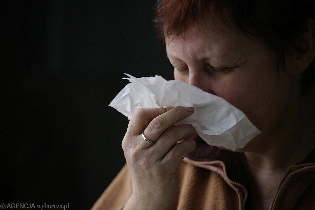 Przebyte w przeszłości przeziębienia mogą chronić przed COVID-19 - zdjęcie ilustracyjne