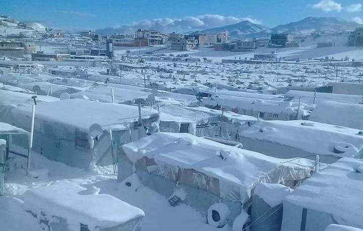 Zasypany śniegiem obóz uchodźców syryjskich w Libanie