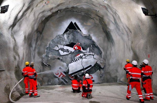 Najdłuższy tunel świata, Szwajcaria