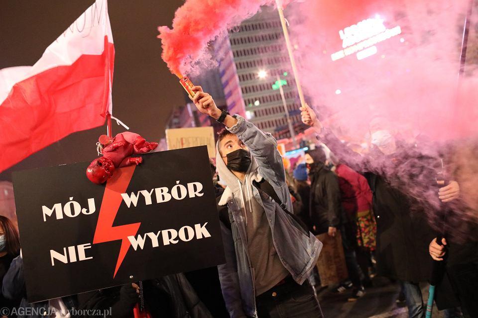 30.10.2020 Warszawa . Protest ' Na Warszawę ! ' . To kolejny dzień protestów po tym jak 22 października TK ogłosił wyrok ws. zakazu aborcji .
