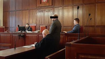 Wojciech D. - wrocławianin oskarżony o grożenie muzułmanom pozbawieniem życia z powodu ich przynależności narodowej, rasowej i wyznaniowej oraz publiczne nawoływanie do nienawiści i użycia przemocy wobec nich