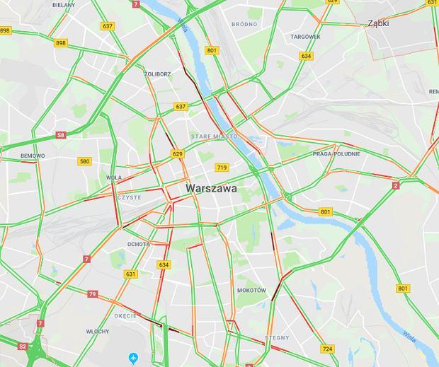 Korki w Warszawie. Liczne utrudnienia w ruchu drogowym