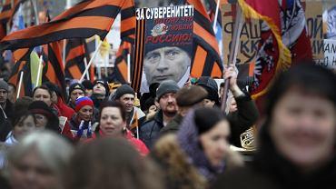 Moskwa. Demonstracja poparcia dla rosyjskich działań wojskowych na Ukrainie