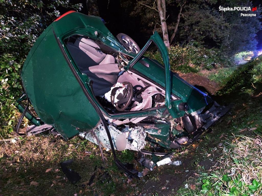 Śląsk. Śmiertelny wypadek w Jankowicach. Doszło do czołówki. Kierowcy obu pojazdów nie żyją