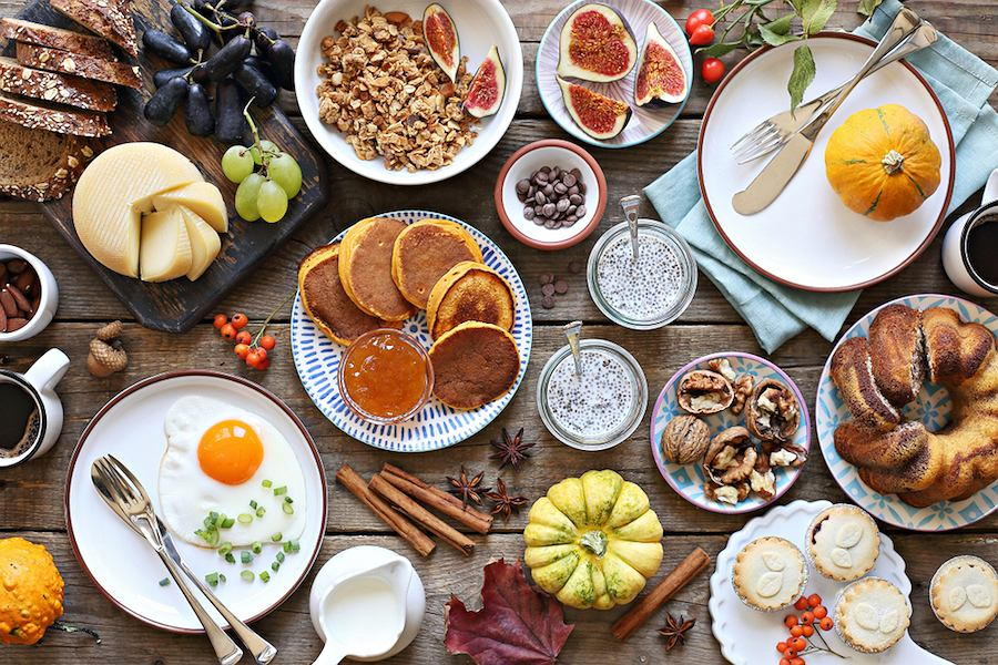 Piękne naczynia we włoskim stylu, idealne na brunch