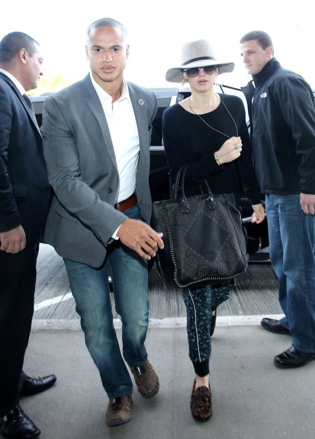 CPictured: Jennifer Lawrence Mandatory Credit ?? CALA/Broadimage Jennifer Lawrence arrives at the Los Angeles International Airport  12/14/14, Los Angeles, California, United States of America  Broadimage Newswire Los Angeles 1+  (310) 301-1027 New York      1+  (646) 827-9134 sales@broadimage.com http://www.broadimage.com