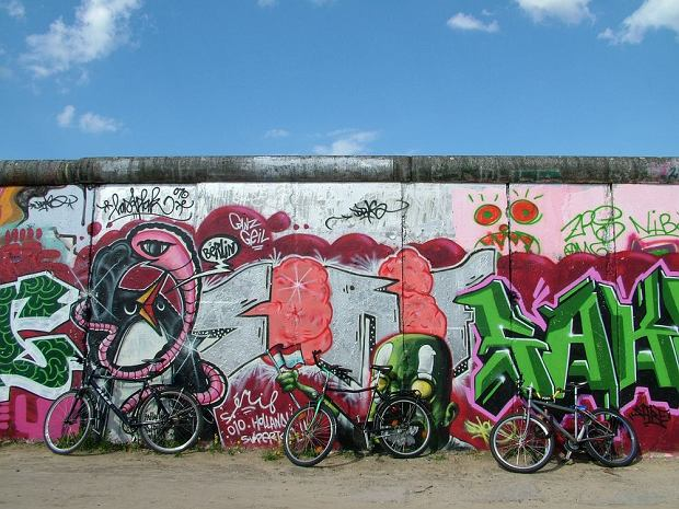 Berlin - Mur Berliński / shutterstock