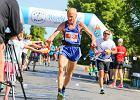 Stefan Dobak, biega już blisko 56 lat. W wieku 71 lat deklasuje biegaczy w swojej kategorii