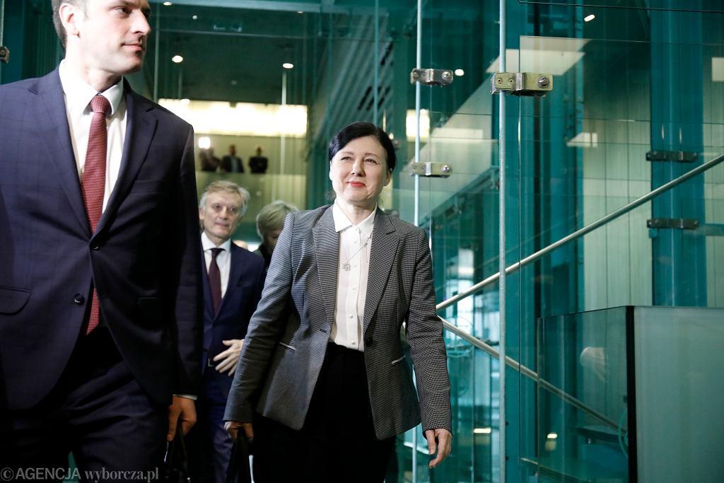Wiceprzewodniczaca Komisji Europejskiej ds. praworzadnosci Vera Jourova w drodze na spotkanie z pierwszą prezes Sądu Najwyższego Małgorzatą Gersdorf. Warszawa, 28 stycznia 2020