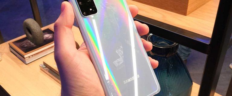 """Znajdź mój telefon wysyłała """"1"""". Oświadczenie Samsunga ws. dziwnych powiadomień"""