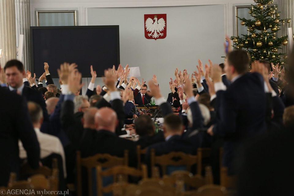 33. Posiedzenie Sejmu VIII Kadencji kontynuowane w sali kolumnowej, 16 grudnia 2016.