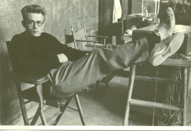 James Dean w trampkach All Star Converse