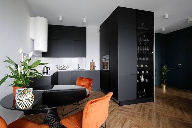 Czarna kuchnia w nowoczesnym stylu