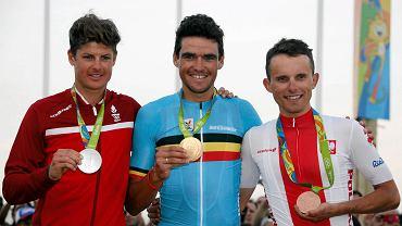 Trójka medalistów. Uśmiech nie schodził z ich twarzy.