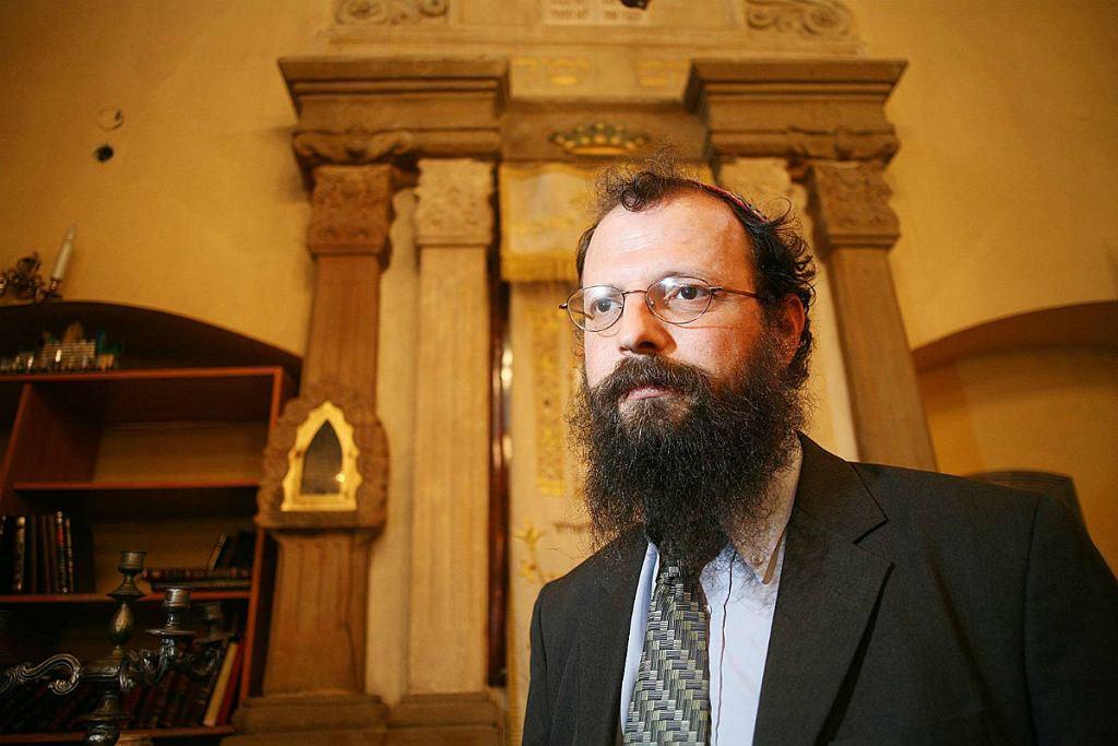 Boaz Pash w Synagodze Remuh