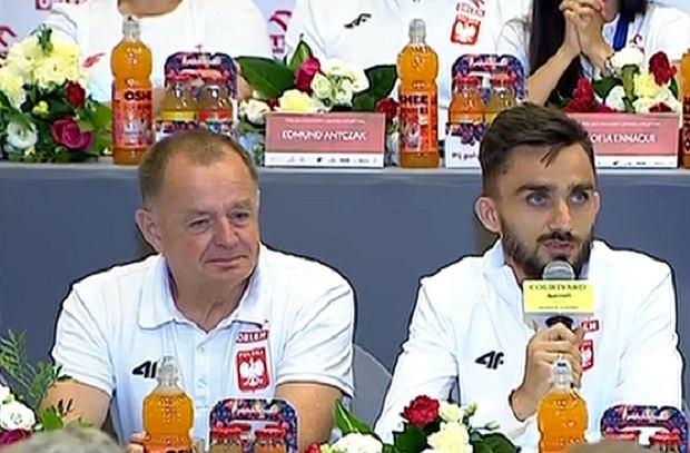 Adam Kszczot w trakcie konferencji prasowej po lekkoatletycznych ME
