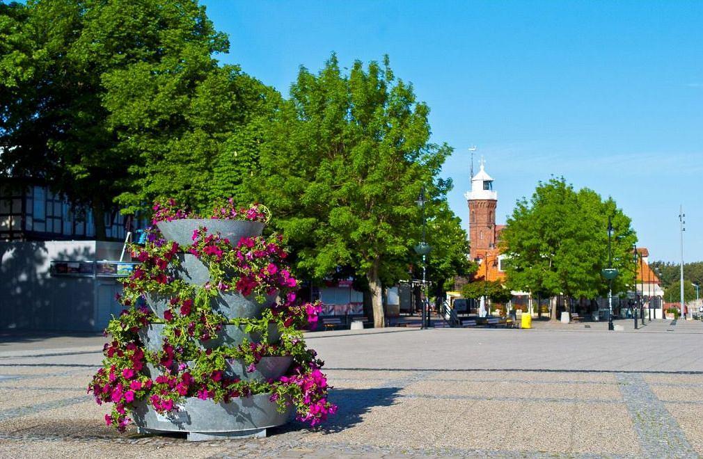 Ustka - najdłuższa promenada w Polsce. Wschodnia część Ustki z najładniejszą plażą w mieście (są dwie) już tradycyjnie przyciąga więcej turystów niż jej druga, nie mniej urokliwa