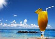 alkohol, Alkohole: romans z rumem, Nigdzie indziej koktajl na rumie nie smakuje tak dobrze jak na Karaibach