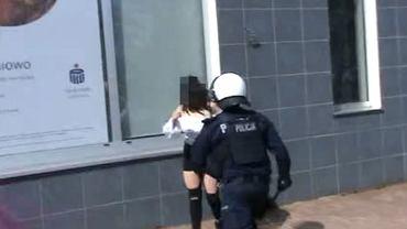 Protest w Głogowie. Policja udostępniła nagranie sprzed zatrzymania