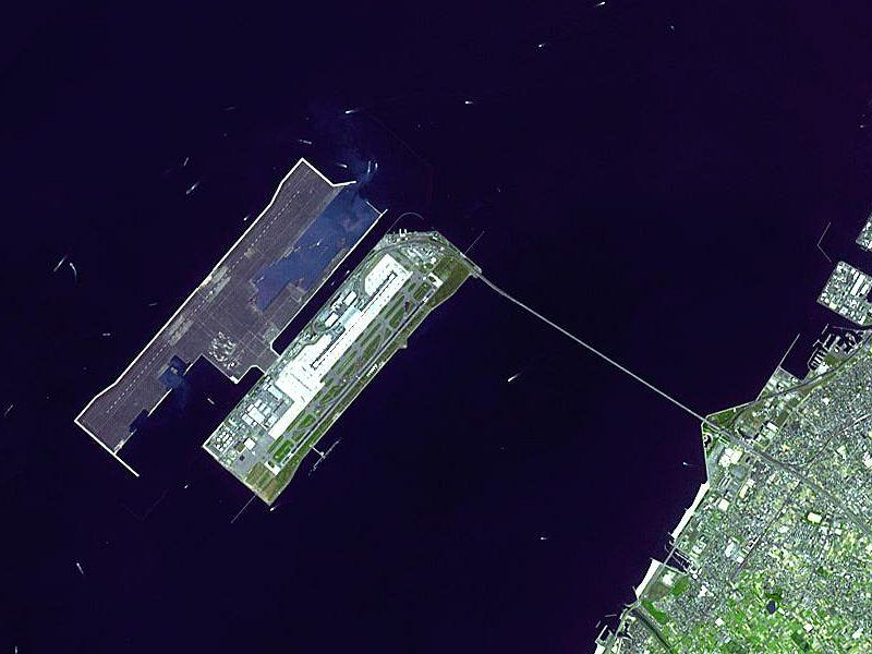 Kansai International Airport / Fot. NASA Earth Observatory, Wikimedia Commons