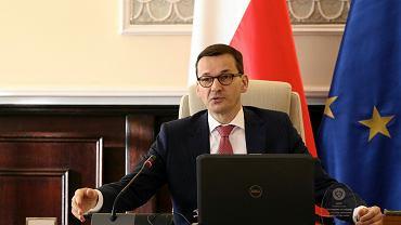 Premier rządu PiS Mateusz Morawiecki podczas posiedzenia gabinetu, Warszawa, 4 stycznia 2018