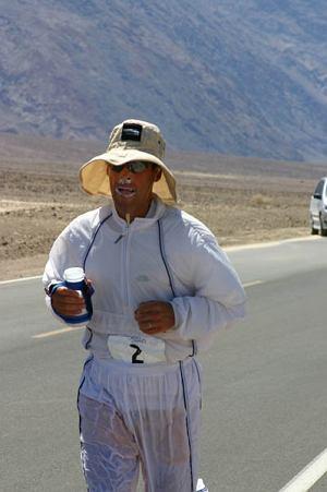 Dean Karnazes podczas Badwater Ultramarathon
