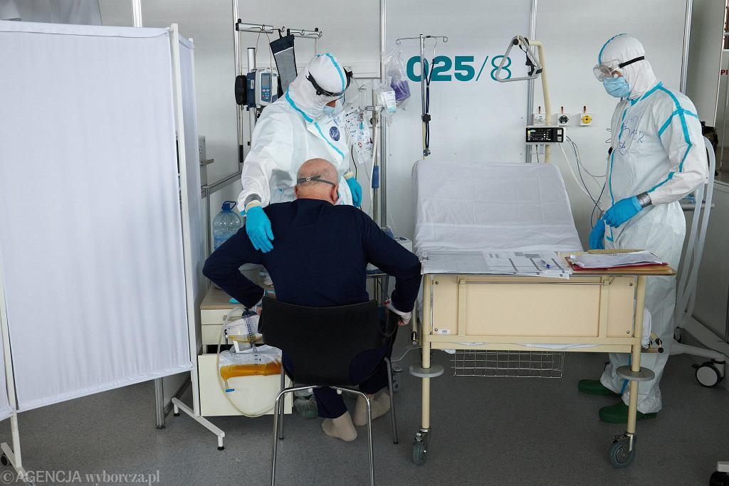 Pandemia koronawirusa. Tymczasowy szpital covidowy na terenie MTP. Poznań, 8 lutego 2021