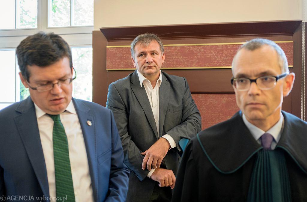 Od lewej: Krystian Markiewicz , Sedzia Waldemar Zurek podczas rozprawy dyscyplinarnej Waldemara Zurka