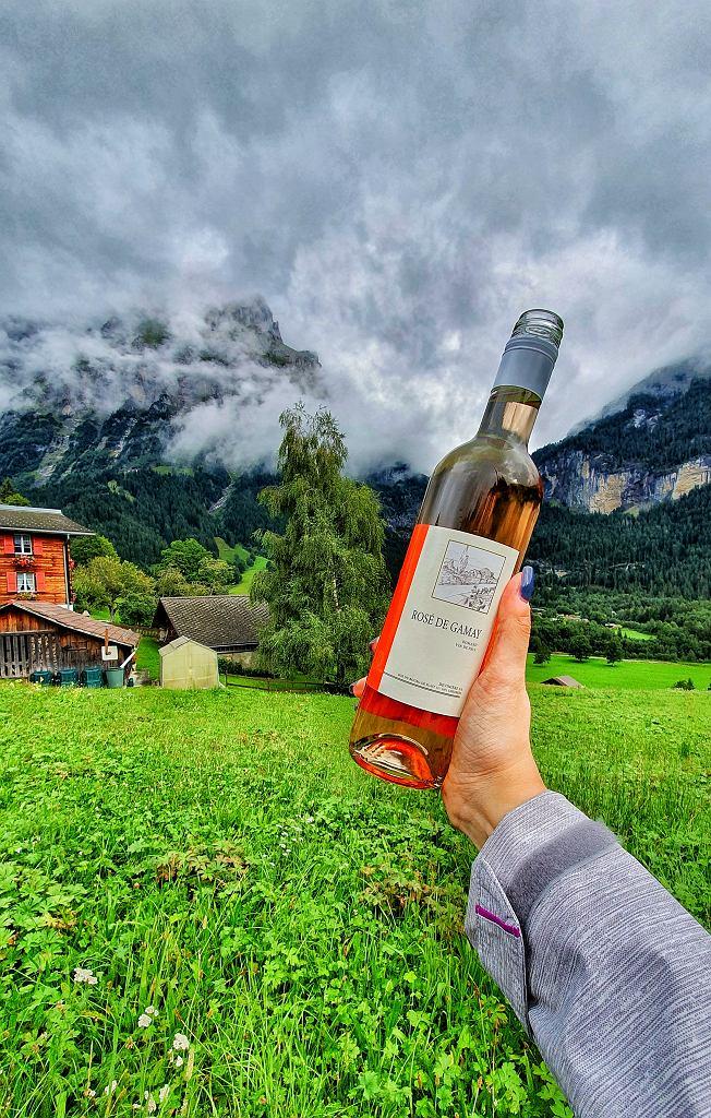 Różowe wino szwajcarskie