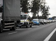 Autostrada A2 koło Poznania zablokowana. Na drodze zapaliła się ciężarówka