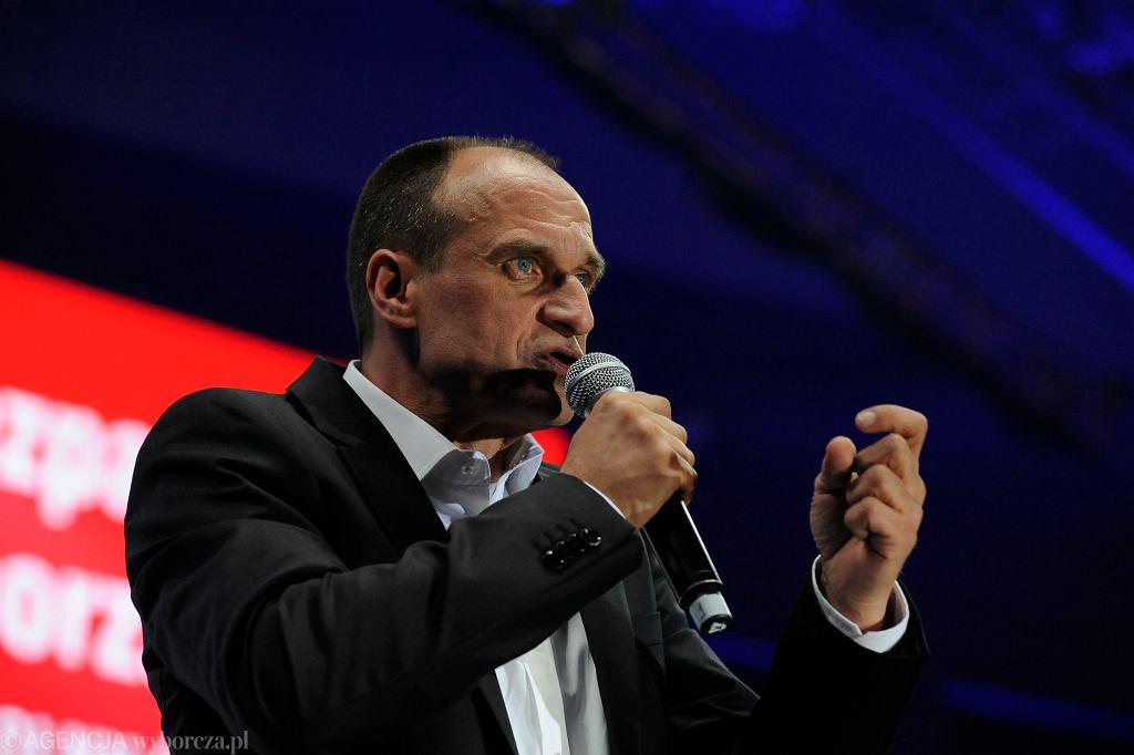 Paweł Kukiz podczas wieczoru wyborczego w Lubinie