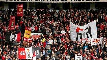 Kibice Manchesteru United w czasie meczu z Arsenalem