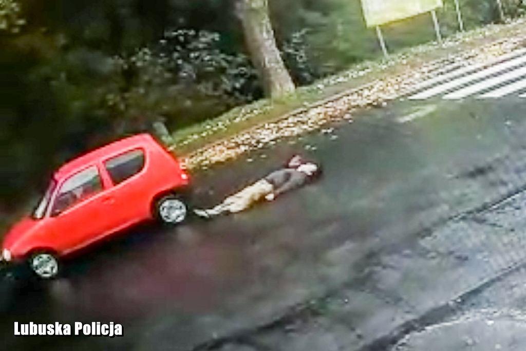 Potrącenie pieszego w Żaganiu. 'Padł jak rażony prądem'