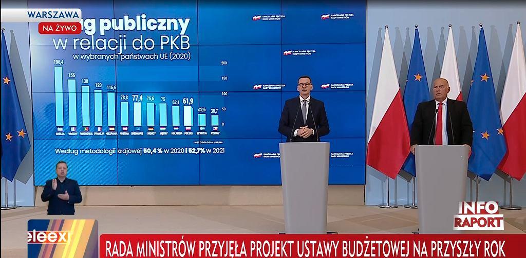 Premier Mateusz Morawiecki i minister finansów Tadeusz Kościński na konferencji poświęconej projektowi budżetu na przyszły rok
