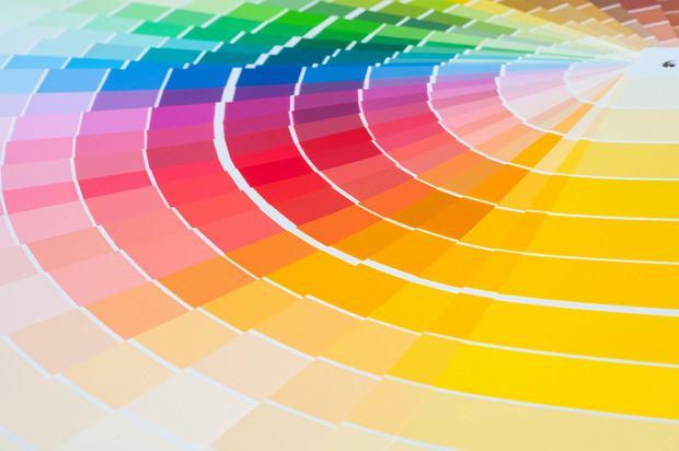 Łączenie kolorów - czy wiemy, jak zestawiać najpopularniejsze barwy?