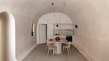 Jaskinia zmieniona w dom wakacyjny