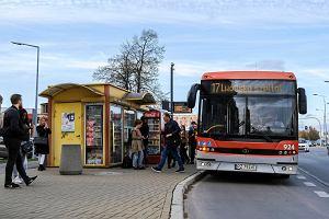 Po bułki, papierosy czy za potrzebą. Kierowcy MPK w Rzeszowie zatrzymują autobus i wychodzą, a pasażerów to oburza