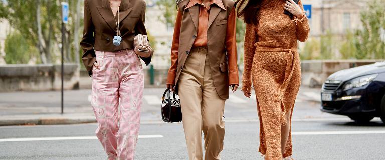 Modne skórzane buty na jesień 2020. Eleganckie półbuty ze wstążką są piękne i dostępne na wyprzedaży