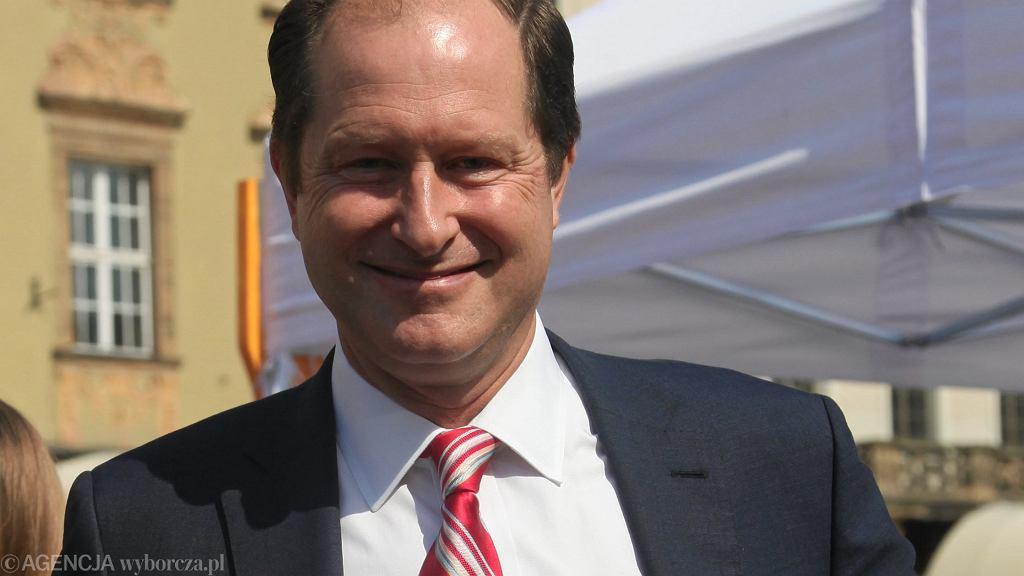 Mark Brzezinski - amerykański prawnik i dyplomata, był ambasadorem USA w Szwecji, obecnie jest członkiem sztabu wyborczego kandydata Demokratów na prezydenta USA Joe Bidena