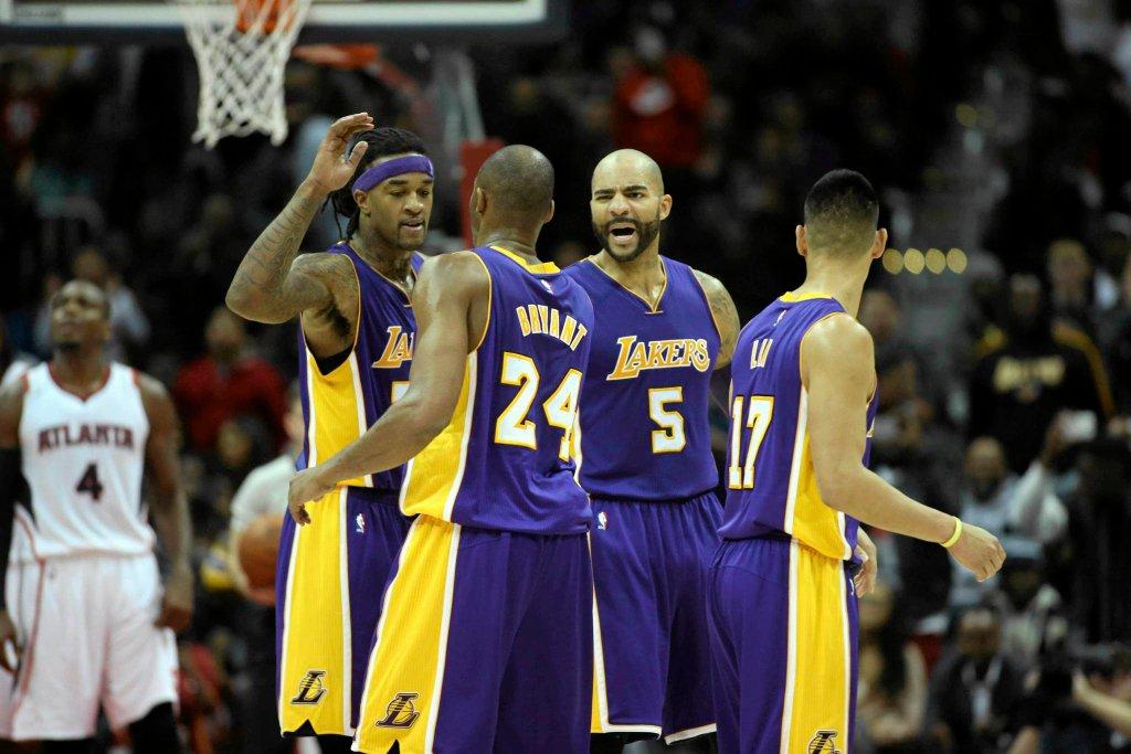Jordan Hill, Carlos Boozer, Jeremy Lin i Kobe Bryant