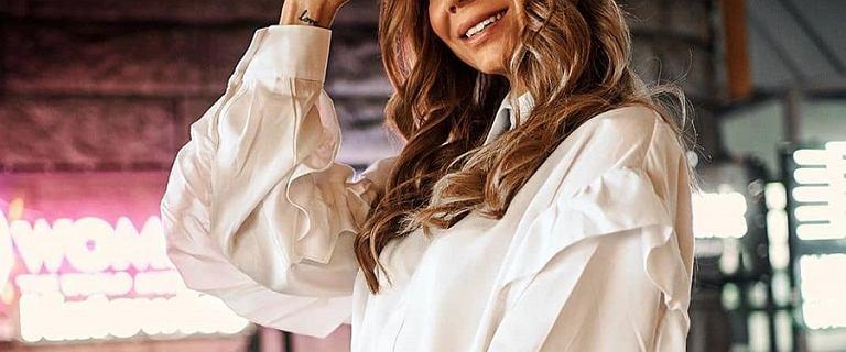 Eleganckie bluzki i koszule do pracy: mamy świetne modele w dobrej cenie
