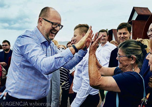 Paweł Adamowicz: Jako wychowanek Żeromskiego i 'Rodowodów niepokornych' wierzę, że jednostka może naprawiać świat, co sam na sobie ćwiczę