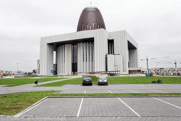 Świątynia Opatrzności Bożej stanęła na warszawskim Wilanowie