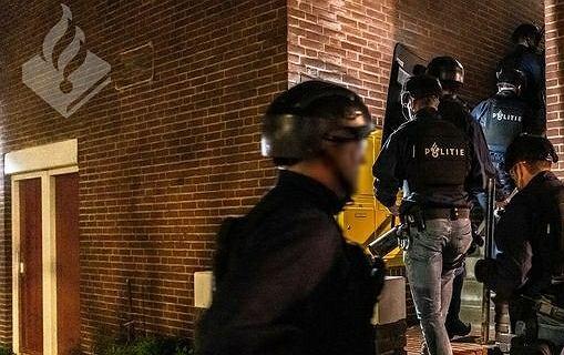 Bójka o pokój w Holandii. 34-letni Polak pobity i dźgnięty nożem