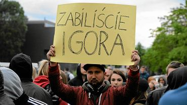 Protest przed komisariatem na Trzemeskiej