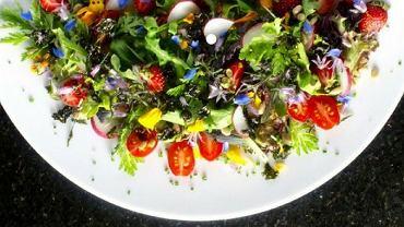 Sałatka to dobry pomysł na lekką kolację poniżej 300 kcal