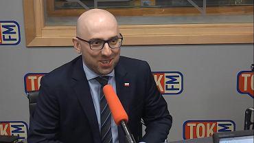 Krzysztof Łapiński w studiu TOK FM