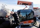 """Elektryczne i wodorowe autobusy zasilają miejskie floty. """"Dziś bardziej służą promocji elektromobilności, niż realnie walczą ze smogiem"""""""